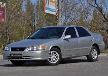 Toyota Camry 2000 LE